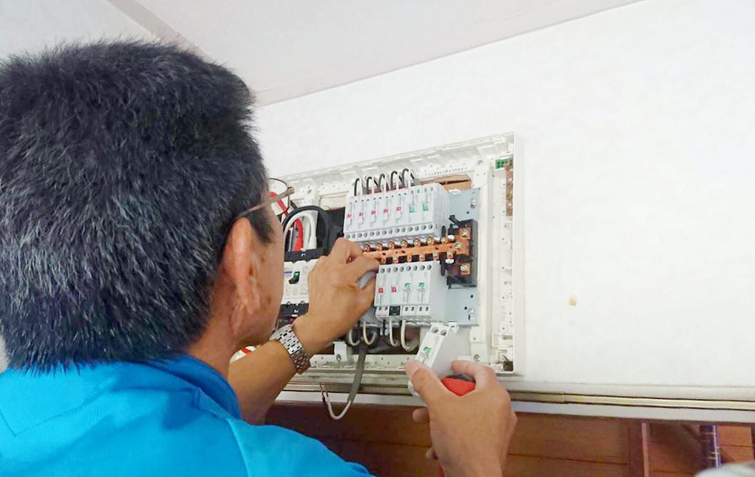 コンセント・壁スイッチの修理・増設