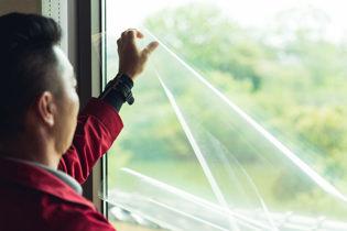 窓の断熱・遮熱フィルム