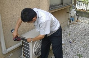 エアコン修理に行って来ました!